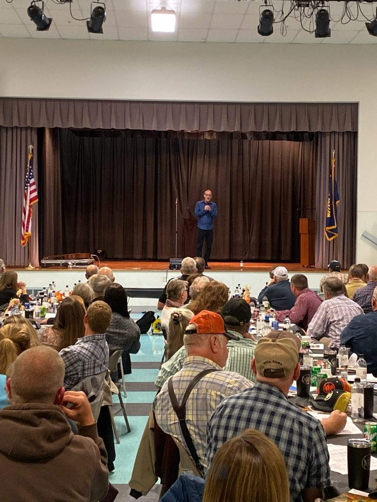 Ag Speaker Rik Roberts performs for Mid-Columbia Producers Cooperative in Moro, OR